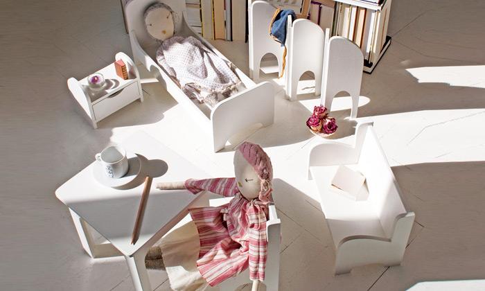 Emagame jeručně vyráběný nábytek pro panenky