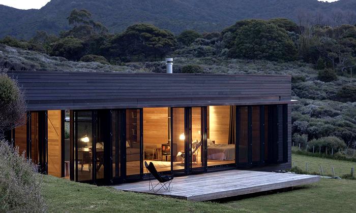 Na ostrově uNového Zélandu vyrostla černá chata