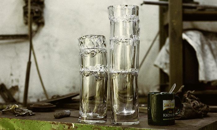 Jakub Berdych navrhl sérii úmyslně poničených váz