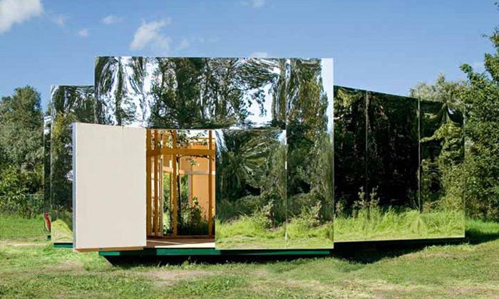 Bureau Lada postavili zrcadlový Archiv pro umělce