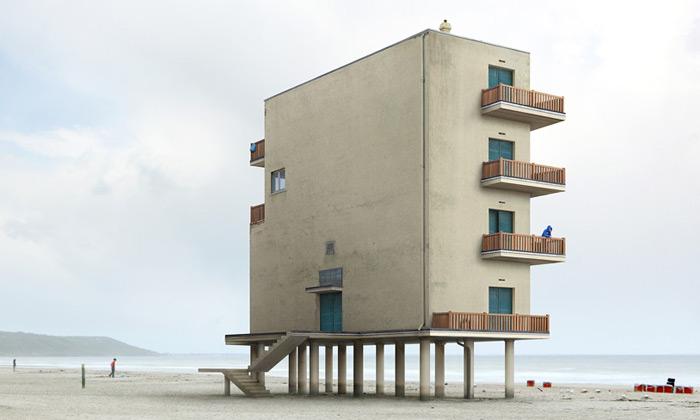 Filip Dujardin fotí architekturu apřetváří ji vefikce