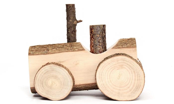 Usuals vyrábí hračky Happy Toys ze surového dřeva