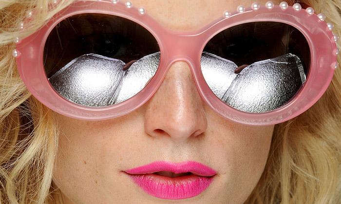 Cutler and Gross uvádí surrealistickou kolekci brýlí