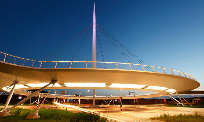 Eindhoven má létající kruhový objezd pro cyklisty
