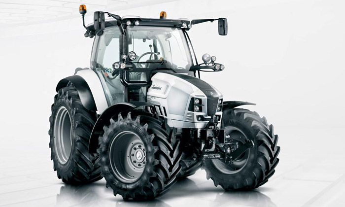 Lamborghini uvádí moderní černobílý traktor Nitro