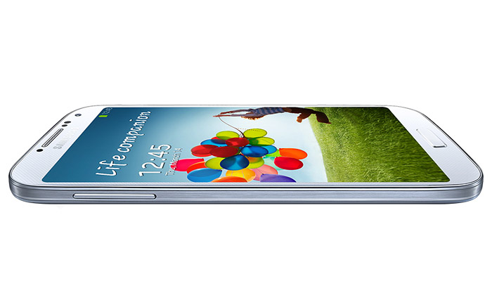 Samsung uvedl tenký pětipalcový mobil Galaxy S4