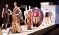 Pohled do expozice The Fashion World of Jean Paul Gaultier