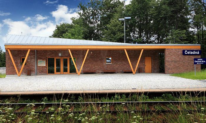 Čeladná má železniční zastávku ze dřeva akamene