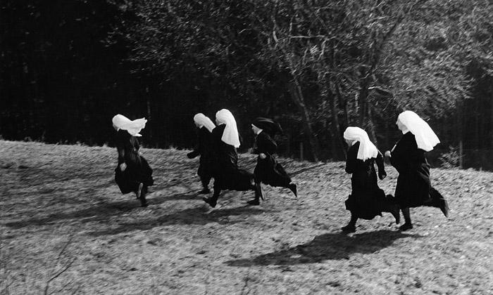 Jindřich Štreit vystavuje Život mezi černou abílou