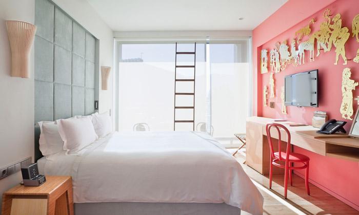 Campana Brothers navrhli interiér hotelu vAténách