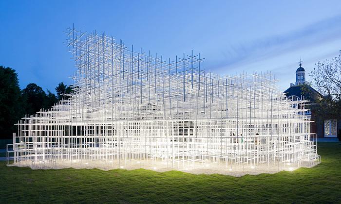 Serpentine Gallery otevřela pavilon podobný oblaku