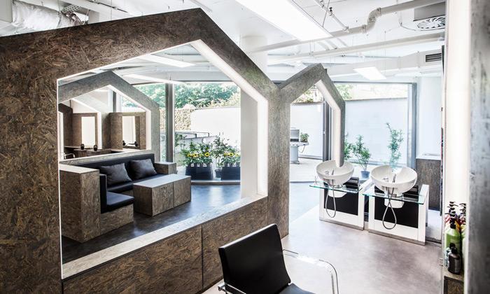 Pražské kadeřnictví Hairborn tvoří malinké domky