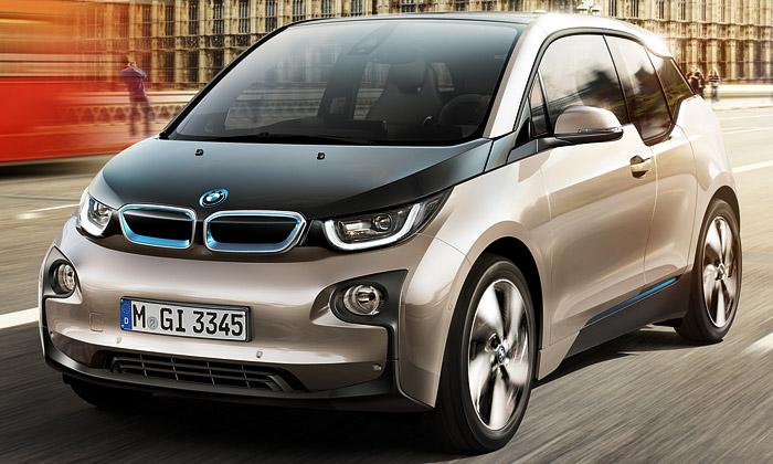 Futuristický elektromobil BMW i3 míří doprodeje
