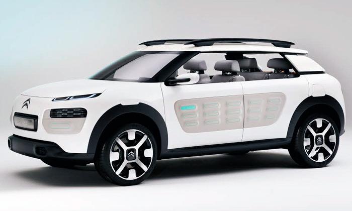 Citroën ukázal vůz Cactus svýměnným obložením