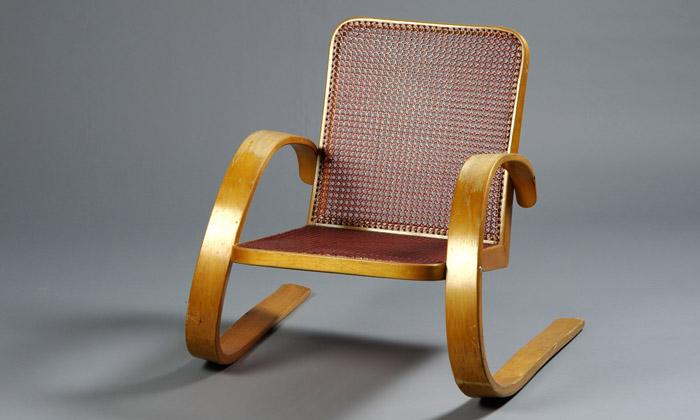 Brno vystavuje nábytek Navrátila astavby Plesníka