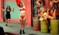 Ukázka z videoklipu od Davida LaChapelle pro značku Happy Socks