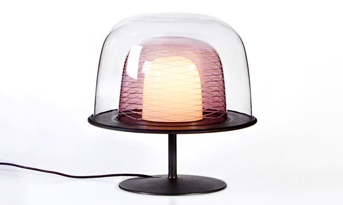 Olgoj Chorchoj stvořili stolní lampy Zrozené vohni