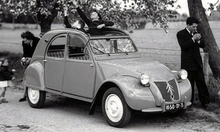 Legendární francouzský automobil Citroën 2CV