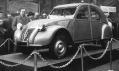 Popprvé představený automobil Citroën 2CV