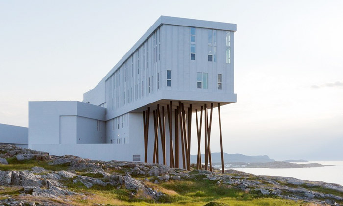 Kanadský ostrov má hotel Fogo Island Inn ze dřeva