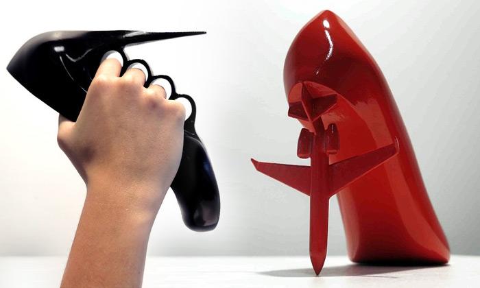 Errazuriz navrhl 12 extravagantních bot pro 12 žen