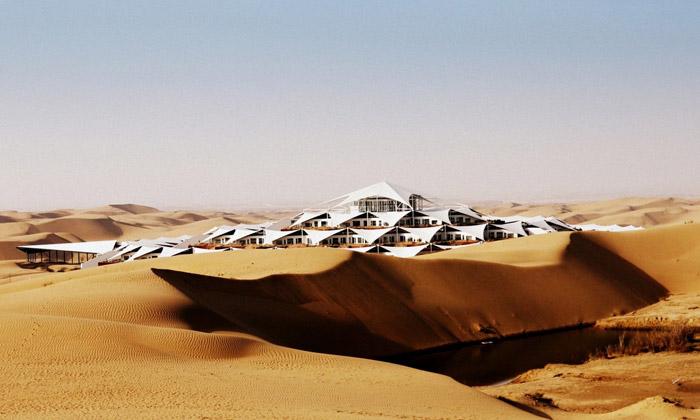 V extrémní čínské poušti stojí unikátní Lotus Hotel