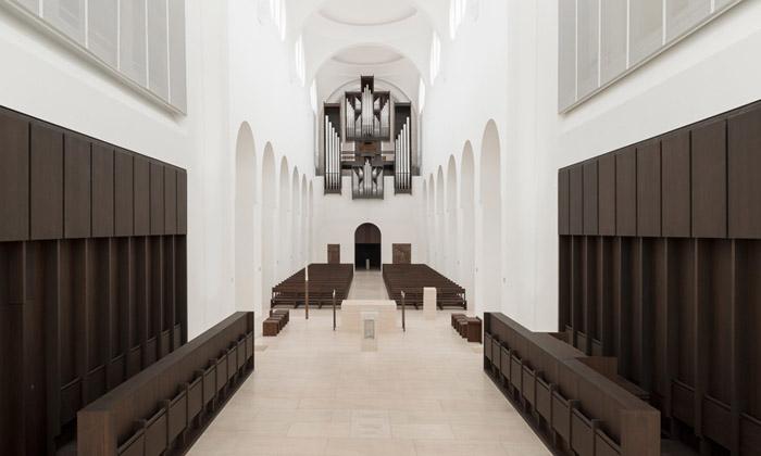 Německý kostel přestavěn namoderní svatostánek