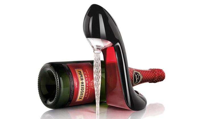 Piper-Heidsieck má skleničku lodičku odLouboutina