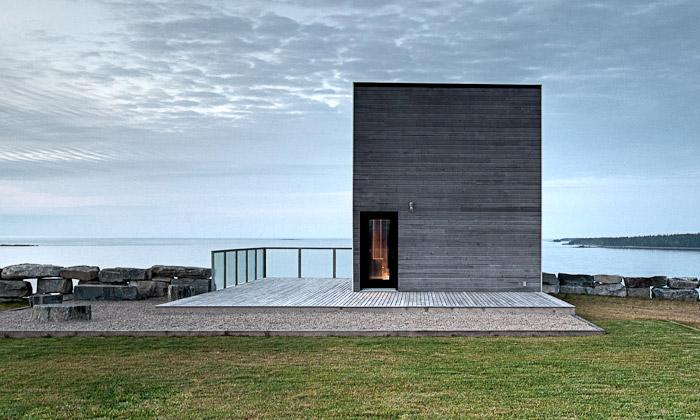 Nové Skotsko napobřeží zdobí drobný Cliff House
