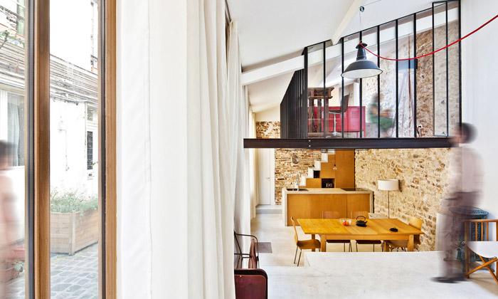 Francouzi udělali zuměleckého ateliéru loftový byt