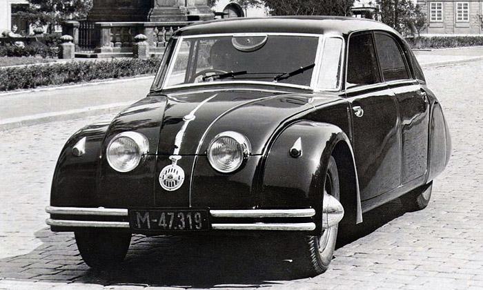 Český futuristický vůz Tatra 77 slaví výročí 80 let