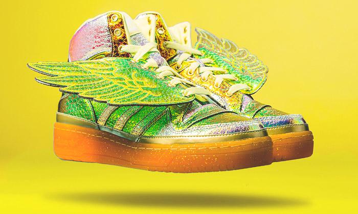 Jeremy Scott navrhl zlatou kolekci Adidas Originals