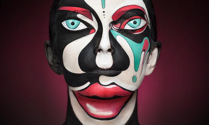 Alexander Khokhlov fotí tváře jako 2D optické klamy