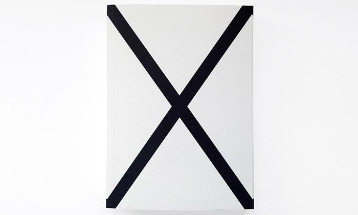 Kniha X ukazuje díla mladých grafických designerů