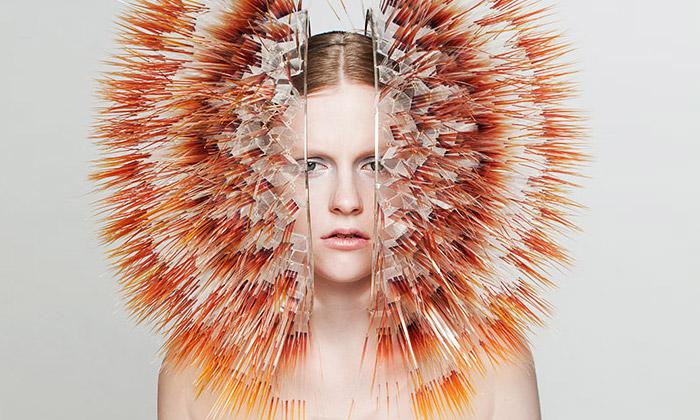Maiko Takeda vytvořila módní kolekci ztisíců ostnů