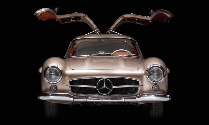 Motoristická slavnost Legendy ukáže přes 500 vozů