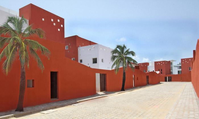 Vilový komplex vafrickém Beninu dostal místní ráz