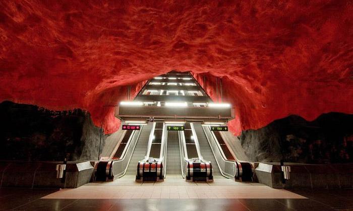 Stockholmské metro vyzdobilo přes 150 umělců