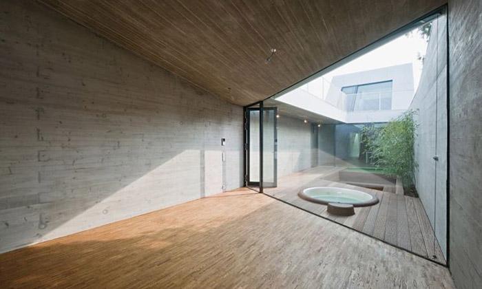 Podlouhlý vídeňský dům CJ má šířku jen pět metrů