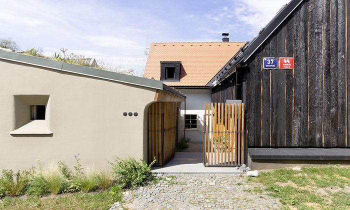 A1 Architects spojili staré snovým vevlastní dům