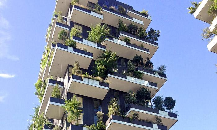 Miláno postavilo dvě obytné věže pokryté lesem