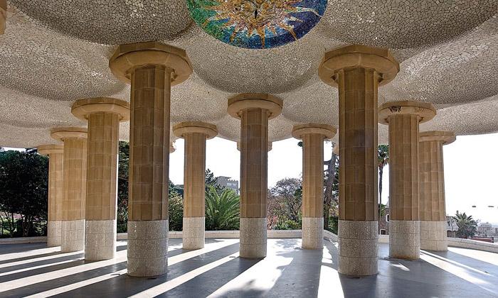 Vídeň otevřela výstavu architektovi Antoni Gaudímu
