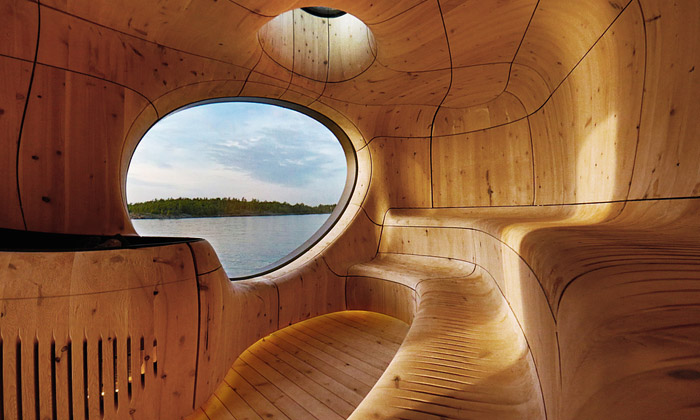 Soukromá sauna ujezera uvnitř připomíná jeskyni
