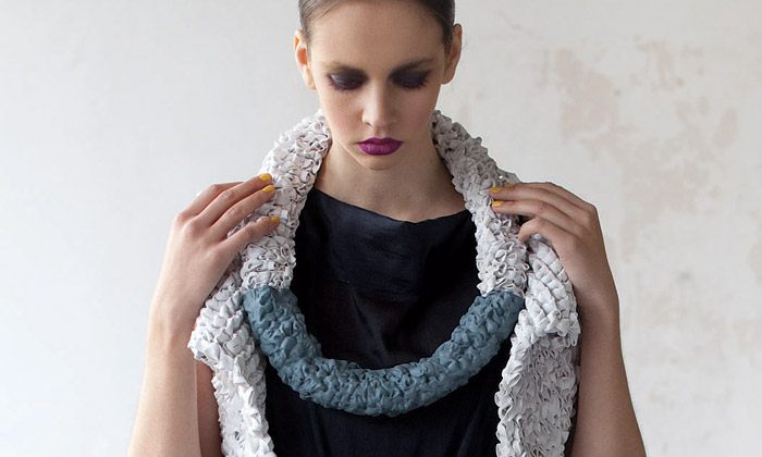 Tyformy tvoří šperky anádobí inspirované přírodou