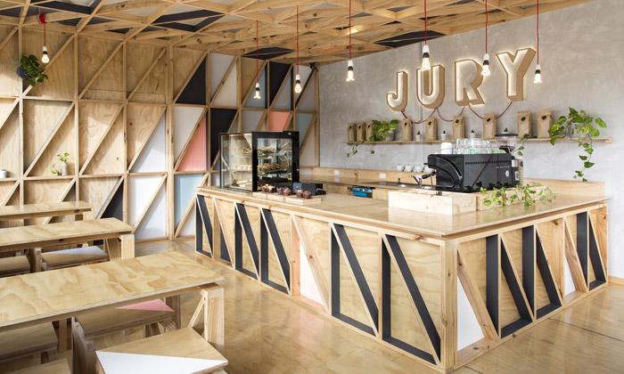 Jury Café vMelbourne má útulný interiér ze dřeva