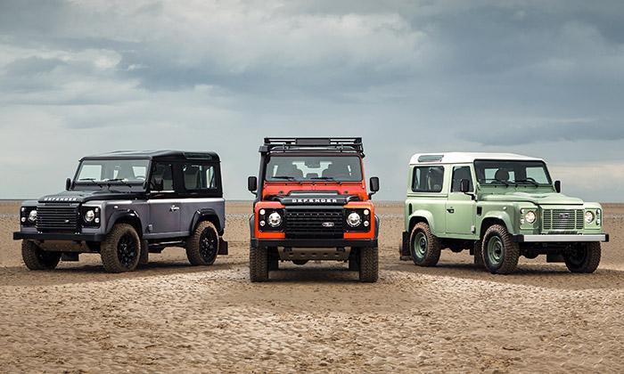 Land Rover předvedl poslední tři modely Defenderu