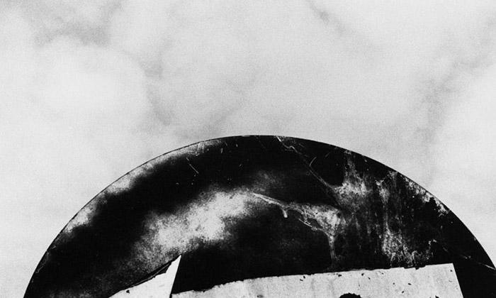 Machotka vystavil výtvarné fotografie všedních míst