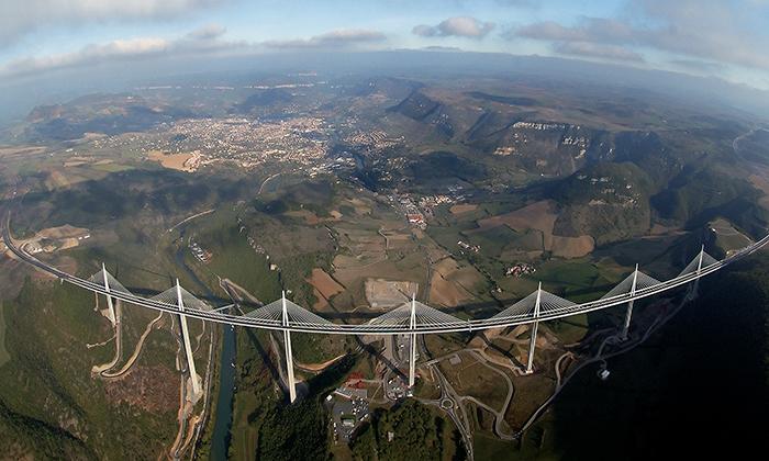 Most vMillau odNormana Fostera oslavil 10.výročí