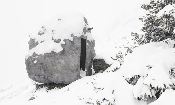 Antoine jeobytný kámen vešvýcarských Alpách