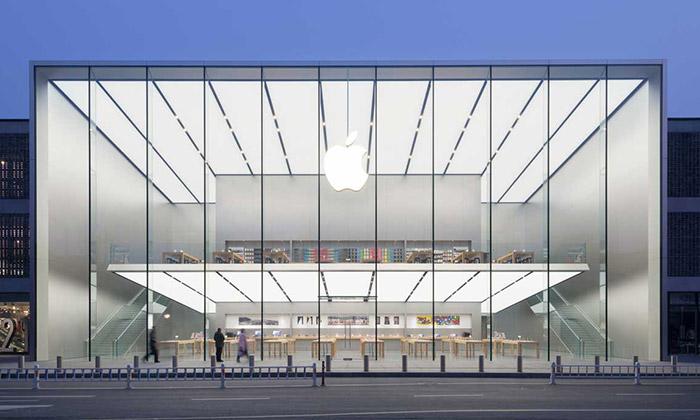 Foster postavil vČíně minimalistický Apple Store